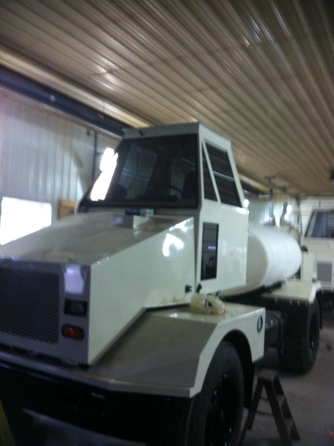 custom equipment spray truck - twin bay glass