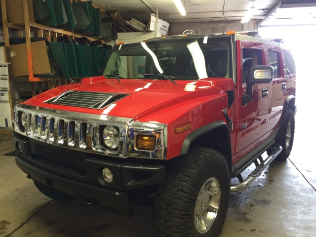 04 Hummer H2 got his windshield pulled and resealed