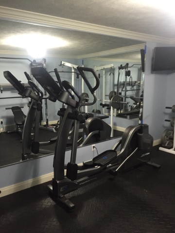 Mirrors in a home gym