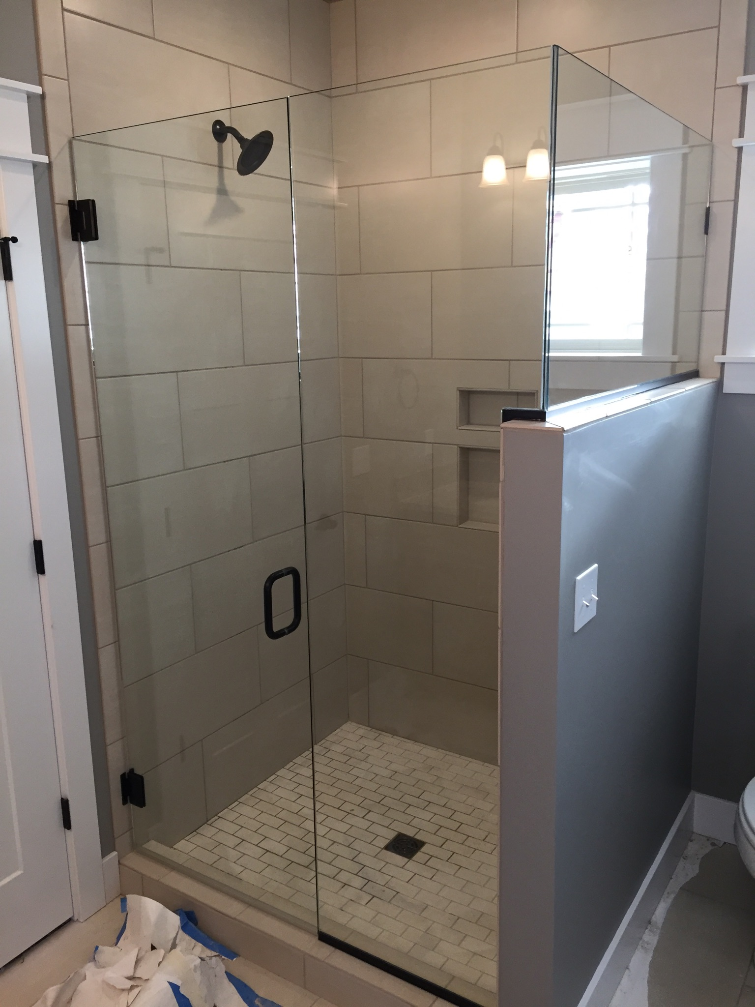 Shower Doors And Enclosures Twin Bay Glass Traverse City - Bathroom shower glass replacement